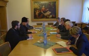 Nicolas-Hulot-recu-au-Patriarcat-de-Moscou_article_main